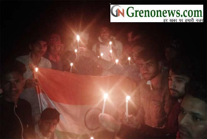 CANDLE MARCH PROCESSION IN PHOOLPUR VILLAGE GREATER NOIDA TO PAY HOMAGE TO MARTYRS SOLDIERS - GRENONEWS
