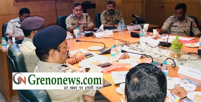 DGP UTTAR PRADESH MEETING WITH FOUR STATE POLICE OFFICERS TO CONDUCT LS ELECTION PEACEFULLY