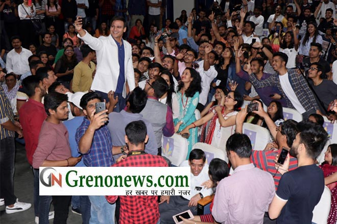 FILM STAR VIVEK OBEROI VISITED SHARDA UNIVERSITY FOR PROMOTION OF MOVIE PM NARENDRA MODI - GRENONEWS