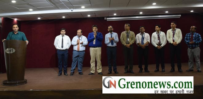 BEST FACULTY AWARD IN IIMT COLLEGE GREATER NOIDA- GRENONEWS